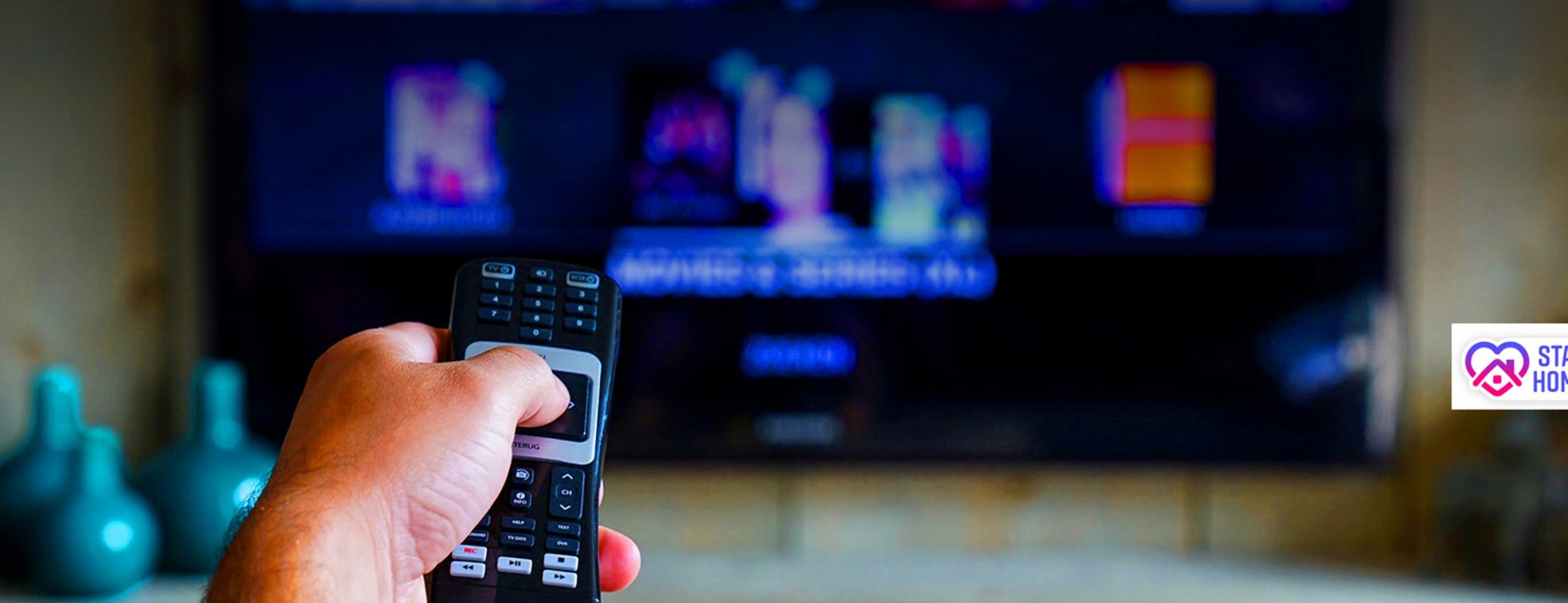 tv-1-iptvking-2600x1000_c